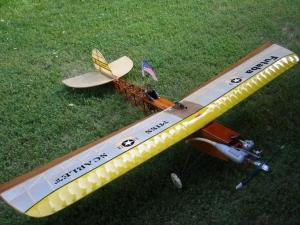 Miss Scarlett repülőmodell